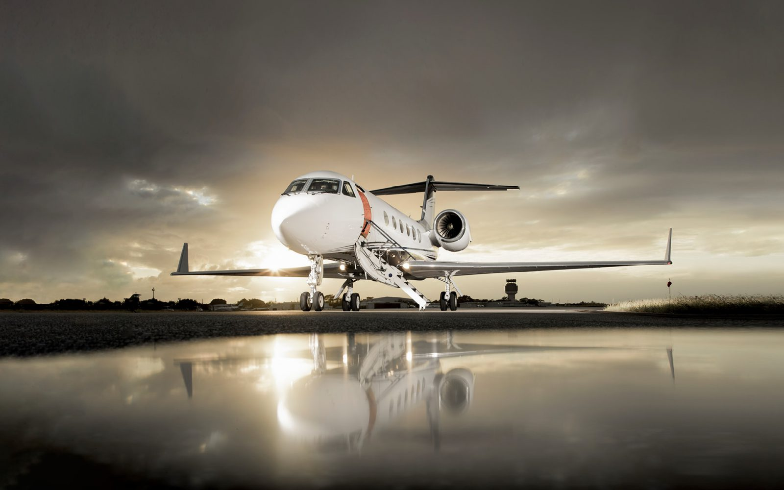 A more ethical, eco-conscious approach to private jet travel.